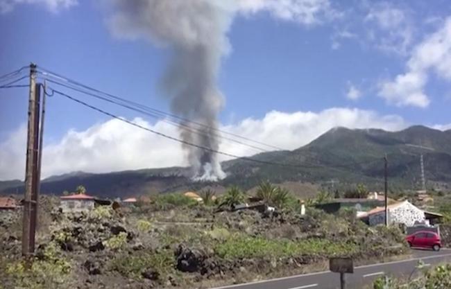 La Palma volcano erupts in Canary Islands
